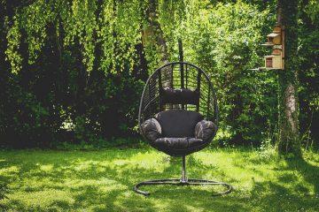 Relaks na tarasie. Wybieramy wiszące fotele ogrodowe