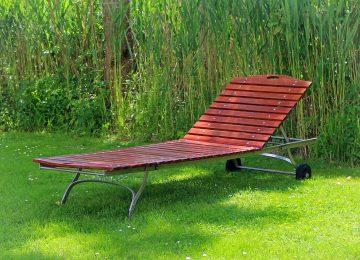 Leżaki ogrodowe – jakie wybrać, by dobrze wypocząć?