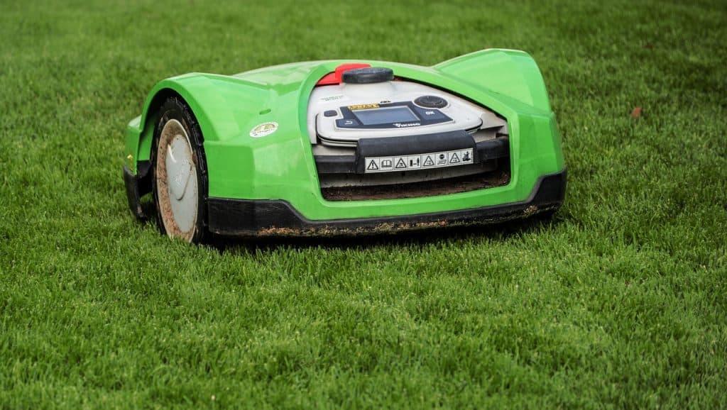 automatyczna kosiarka do trawy